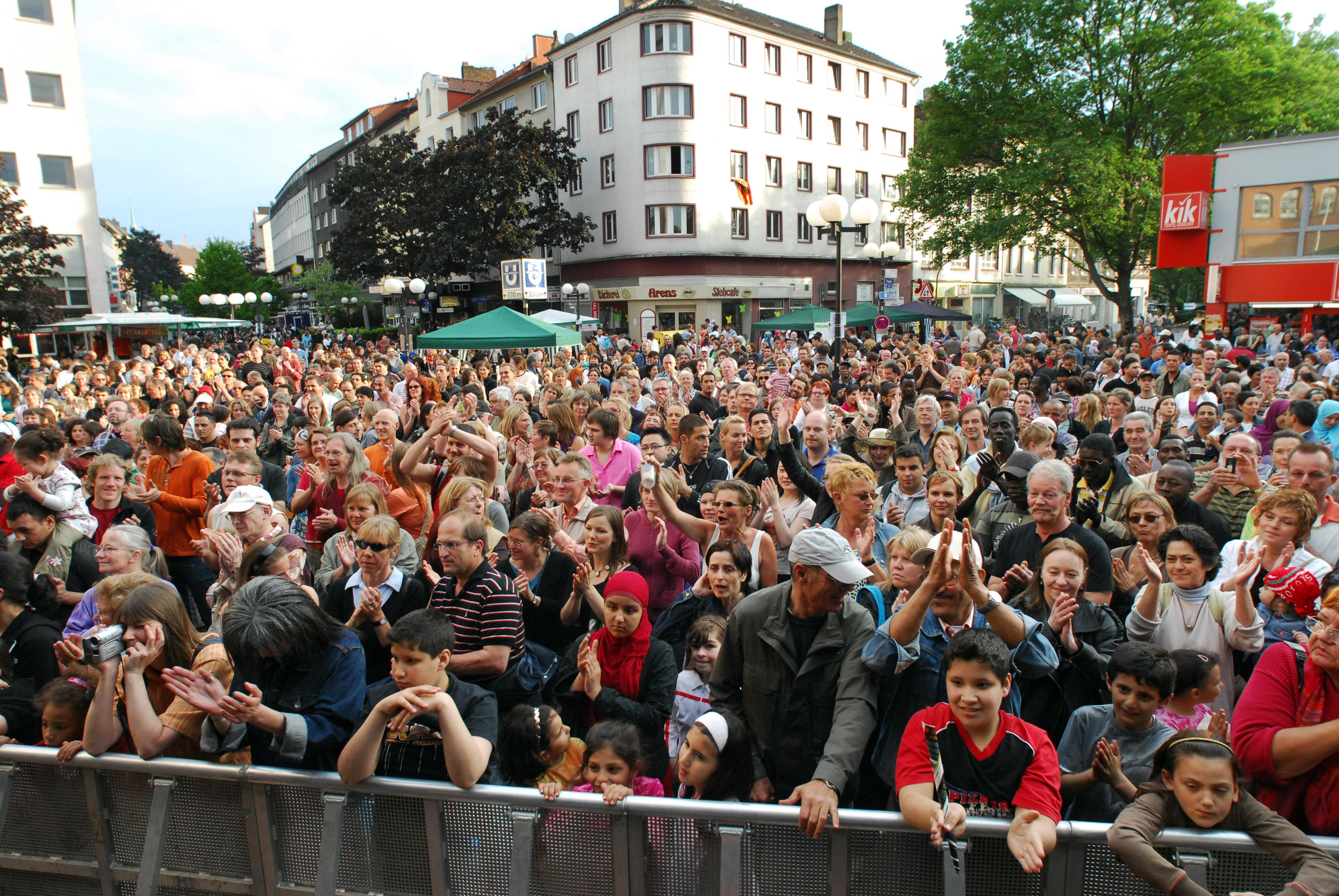 Menschen und Kulturen begegnen:  Internationale Woche mit über 30 Veranstaltungen