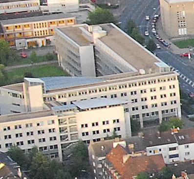 """An der Steinstraße und anderen Standorten wird das """"Bürokratiemonster"""" verwaltet."""