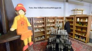 Auf 1200 Quadratmetern finden die Kunden Möbel, Haushaltswaren und Bekleidung. Foto: Alex Völkel