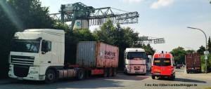 LKW-Verkehr im Hafen