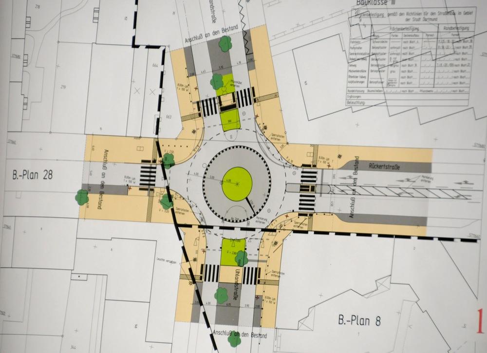 So soll der geplante Kreisverkehr im Bereich Uhlandstraße und Rückertstraße aussehen