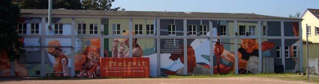 Bilderflut: Überdimensionales Lexikon, kultureller Wanderpfad und Ausstellung im öffentlichen Raum