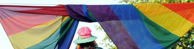 Drei Wochen im Zeichen des CSD: Party, Diskussionen, Gedenken und ein Fest auf dem Friedensplatz