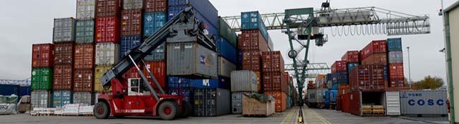 Der Dortmunder Hafen ist weiter auf Erfolgskurs: Der Güterumschlag im ersten Halbjahr 2015 erneut gestiegen