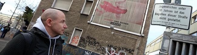 Nordstadt als Vorlage: Ein Berliner Krimiautor auf Rundgang durch Höhen und Tiefen einer Ruhrgebiets-Großstadt