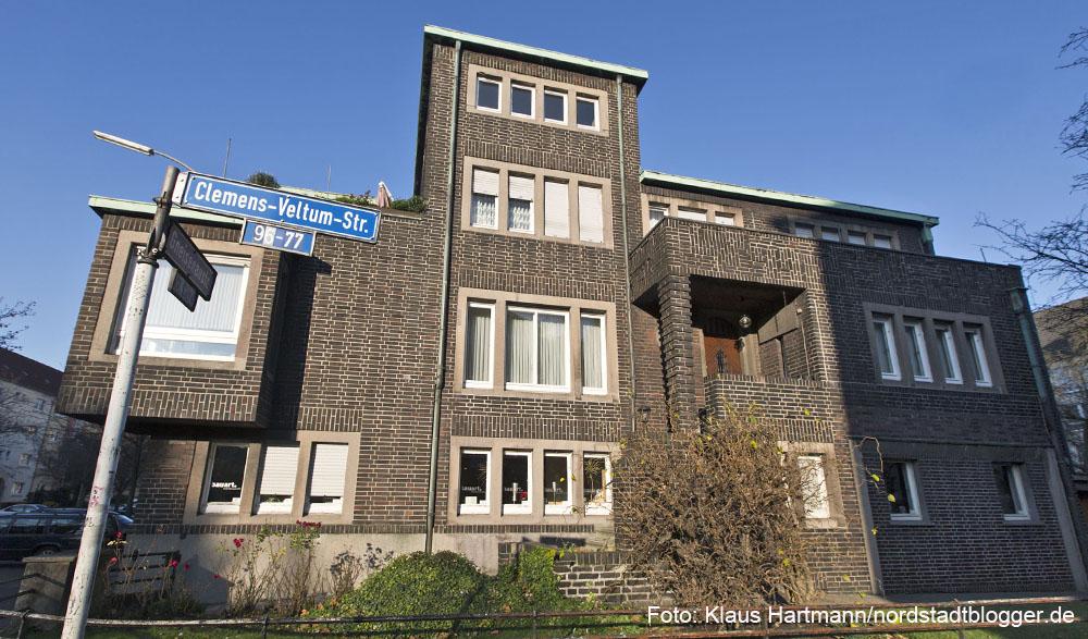 Arzthaus Linsmann, Gneisenaustraße 75