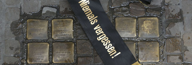 """Zweitägiges Holocaust-Gedenken in Dortmund: """"Auf der Flucht – Schicksale jüdischer Emigranten""""im Rathaus"""
