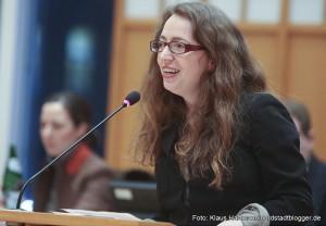Podiumsgespräch im Ratsaal zum Thema: Neuzugewanderte Roma aus Bulgarien und Rumänien. Varinia Fernanda Morales, bikup