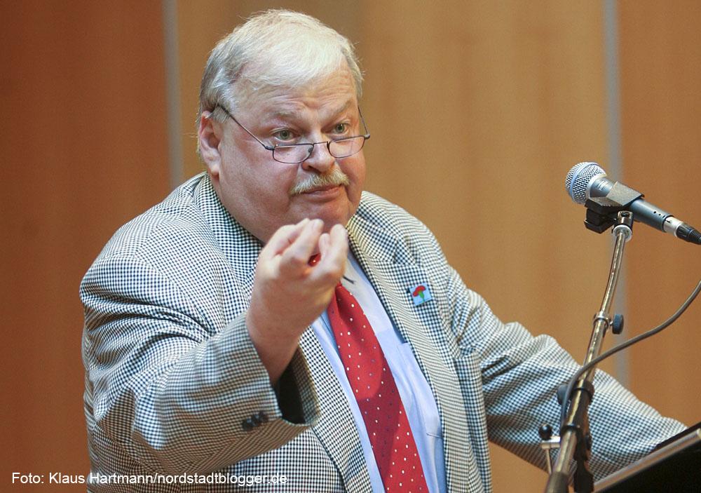 Guntram Schneider, seinerzeit Vorsitzender des DGB NRW in der Stadthalle Kamen im April 2007