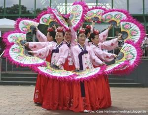Tanzfolk 2014 am Dietrich-Keuning-Haus. Fächertanz, Korea