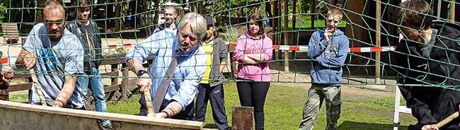 Fredenbaum: Mit Vorschlaghammer zum neuen Bolzplatz