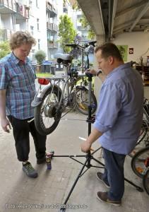 Velokitchen, Fahrräder reparieren und gemeinsam kochen und essen