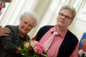 Alterspräsidentin Gerda Horitzky dankte Siegfried Böcker.
