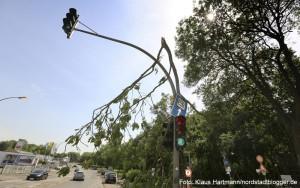 Sturm und Gewitter tobten in der Nordstadt: Ampelanlage in Höhe des Big Tipi
