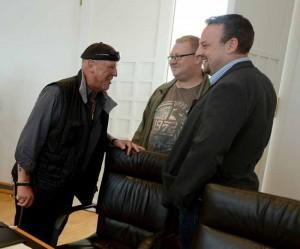 Siegfried Borchardt mit Gruppengeschäftsführer Timo Pradel und NPD-Landeschef Claus Cremer.
