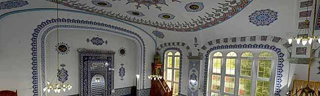 """""""Der Islam – eine missverstandene Religion?"""" bei """"Talk im DKH"""" – Veranstaltung zu Gast im Helmholtz-Gymnasium"""