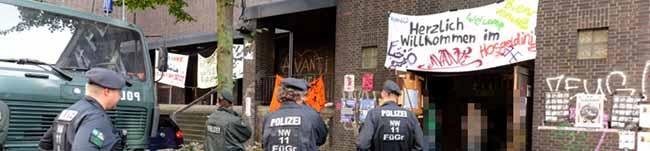Abschluss: Staatsanwaltschaft erklärt Kirche zum Tatort – Großaufgebot der Polizei räumt Albertus-Magnus-Kirche