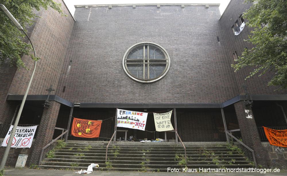 Leerstehende Kirche Sankt Albertus Magnus in der Enscheder Straße wurde besetzt