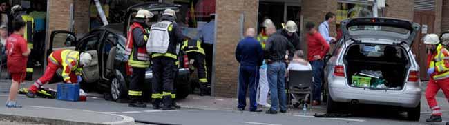 Vier Verletzte bei Unfall auf der Rheinischen Straße