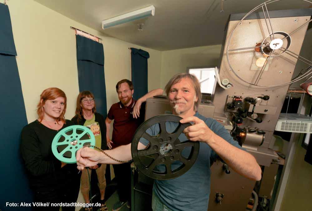 Johanna Knott, Suse Solbach, Kai Wortmann und Peter Fotheringham sind die Betreiber des sweetSixteen. Foto: Alex Völkel