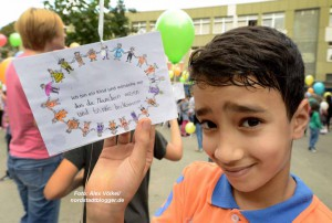 Nordmarkt-Grundschule - Ballonstart zum Roma-Festival Djelem Djelem _2391 - NSB