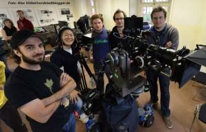 Das professionelle Filmteam unterstützt die Jugendlichen bei dem Projekt.
