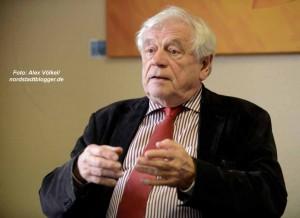 Auf Einladung der AWO referierte Prof. Dr. Wolfgang Benz in der Nordstadt. Foto: Alex Völkel