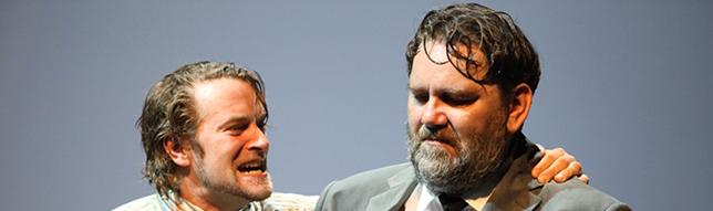 Szene mit Sebastian Graf (Happy) und Andreas Beck (Willy Loman).
