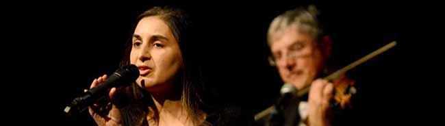 Popkultur zwischen Ausgrenzung und Respekt: Lese- und Musikabend zum Thema Sinti und Roma mit Dotschy Reinhardt