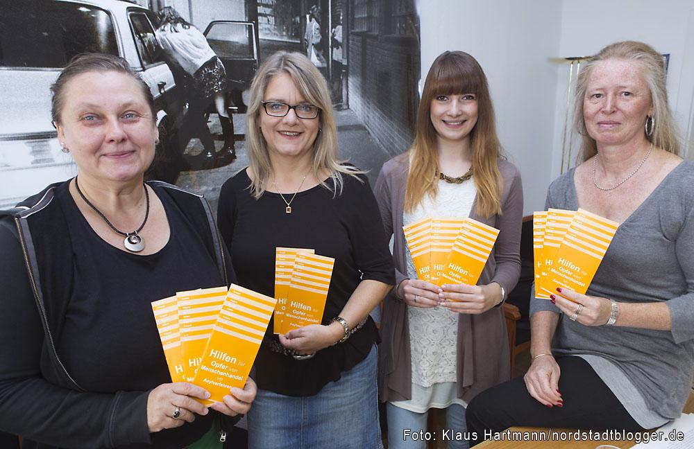 Dortmunder Mitternachtsmission berichtet über aktuelle Entwicklungen im Bereich Hilfen für Opfer und Menschenhandel. V. l.: Andrea Hitzke, Regine Reinalda, Corinna Klimmek und Heike Müller