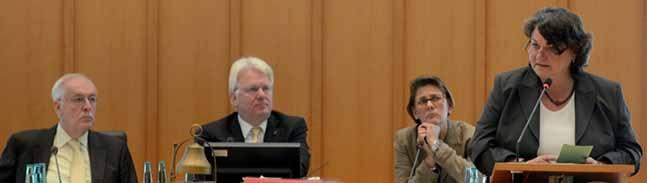 Flüchtlingssituation: Dortmunder Ratsmitglieder üben scharfe Kritik an NRW-Innenminister Ralf Jäger (SPD)