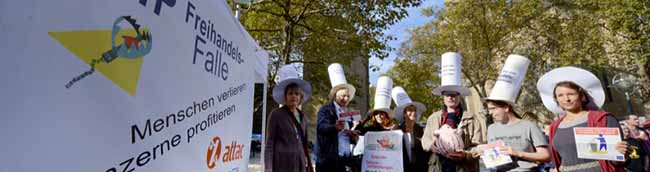 Aktionstag: Viele Dortmunder Gruppen sammeln Unterschriften gegen Freihandelsabkommen TTIP/CETA