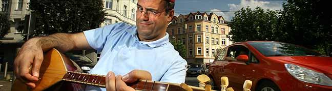 """Benefiz-Kulturreihe """"2. Freitag""""  bei """"bodo"""": Der """"König vom Borsigplatz"""" serviert seinen Gästen Texte"""
