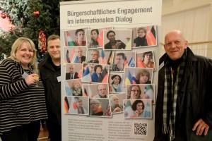 Claudia Behlau, Alex Völkel und Klaus Hartmann haben die Ausstellung realisiert. Foto: Pascale Gauchard