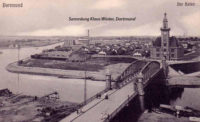 Die Union-Vorstadt im Dortmunder Hafen ist hinter dem Hafenamt zu erkennen. Archivbild: Sammlung Klaus Winter, Dortmund