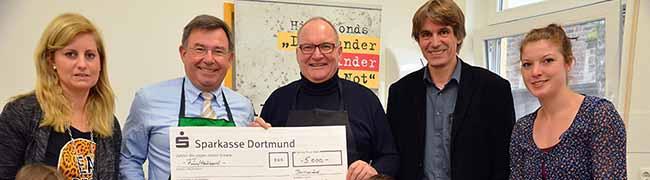 """Marianne Hoffmann-Stiftung spendet 5.000 Euro für den Hilfsfonds """"Dortmunder Kinder in Not"""""""