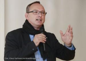 Verabschiedung von Walter Klamser, Soziales Zentrum Westhoffstraße, in den Ruhestand. Gunther Niermann, Vorstandsmitglied