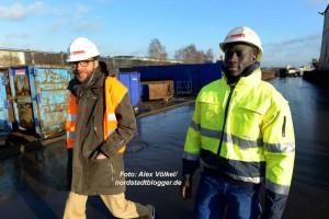 Paul aus Mali hat bei TSR Recycling einen Ausbildungsplatz gefunden. Manfred Schwarz (Grünbau) hat ihn beim Neustart unterstützt.