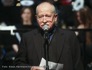 Bezirksbürgermeister Dr. Ludwig Jörder hielt die Laudatio auf die beiden Preisträger.