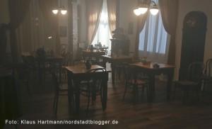 Letzte Dreharbeiten zum Film: Am Borsigplatz geboren, Franz Jacobi und die Wiege des BVB am Originalschauplatz. Der Saal in der ersten Etage der ehemaligen Gaststätte Wildschütz, heute eine Wohnung, wie er 1909 hätte ausgesehen können.