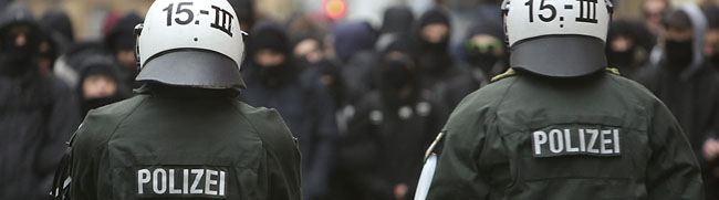 """""""Weihnachtsbesuche"""" waren ein Schlag ins Wasser: Polizei erteilt Neonazis erneut eine juristische Lehrstunde"""