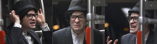 U-Bahn 44 wird zur Theaterbühne: Jens Koller improvisiert Grimms Märchen im sieben Minuten-Takt