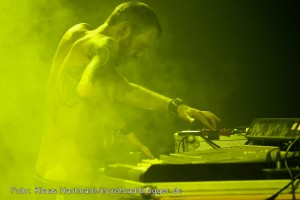 MUK.E 14 Aspects of electronic music. T.Raumschmiere