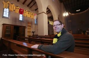 Trikotausstellung mit Hemden des BvB 09 in der Dreifaltigkeitskirche