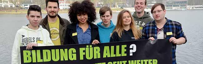 """Schülerprotest: """"Bildung für alle? Der Witz geht weiter. –  Gegen Selektion im deutschen Bildungssystem"""""""