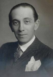 Die Karriere von Paul Abraham war kometengleich. Der weltweit gefeierte Komponist musste jedoch 1933 auf dem Höhepunkt seiner  Erfolge  aus Berlin fliehen.