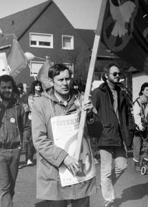 Willi Hoffmeister, ehemaliger Betriebsrat Hoesch und Urgestein des Ostermarsch Ruhr. Archivfotos aus seinem Leben. Beim Ostermarsch, Anfang der 1980-jahre