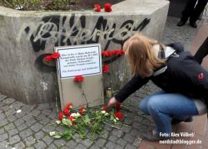 Das Bündnis gegen Rechts und die VVN/BdA hatten die Gedenkveranstaltung am Tatort organisiert.