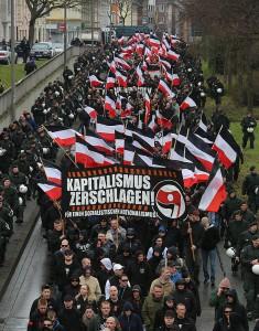 """Nazi-Demonstration am 10. Todestag von Thomas """"Schmuddel"""" Schulz"""