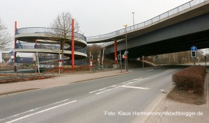 Auf- und Abfahrt auf den Autobahnzubringer an der Westfalia-Straße